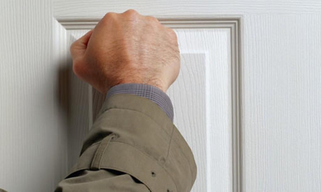hand-knocking-on-door-008
